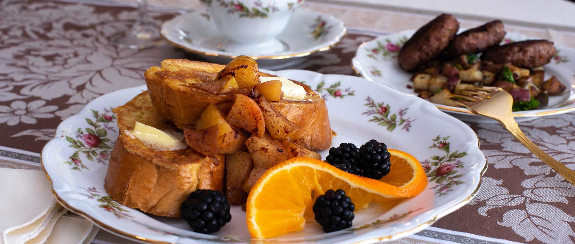 delicious breakfast at Valparaiso Inn